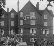 Hotel Commodore - History